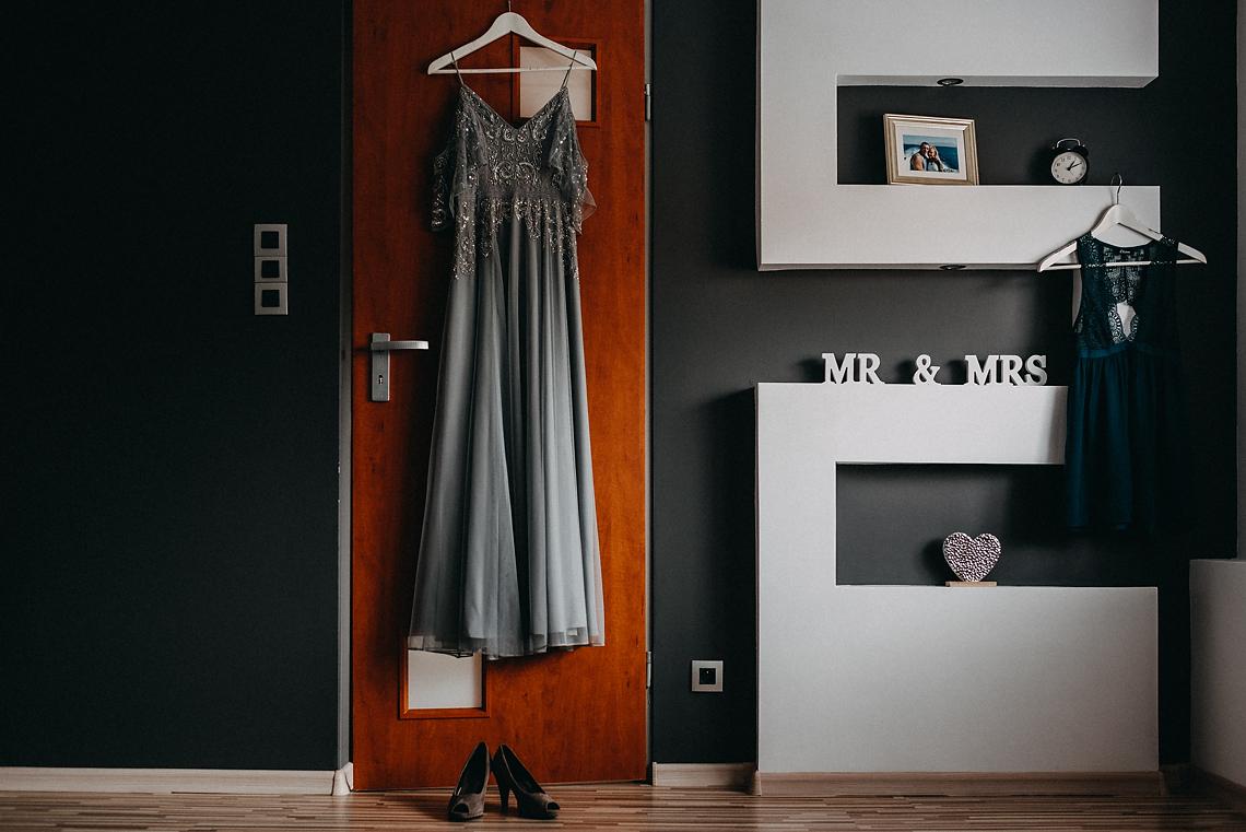 Nietypowa suknia ślub fotograf Magdalenka