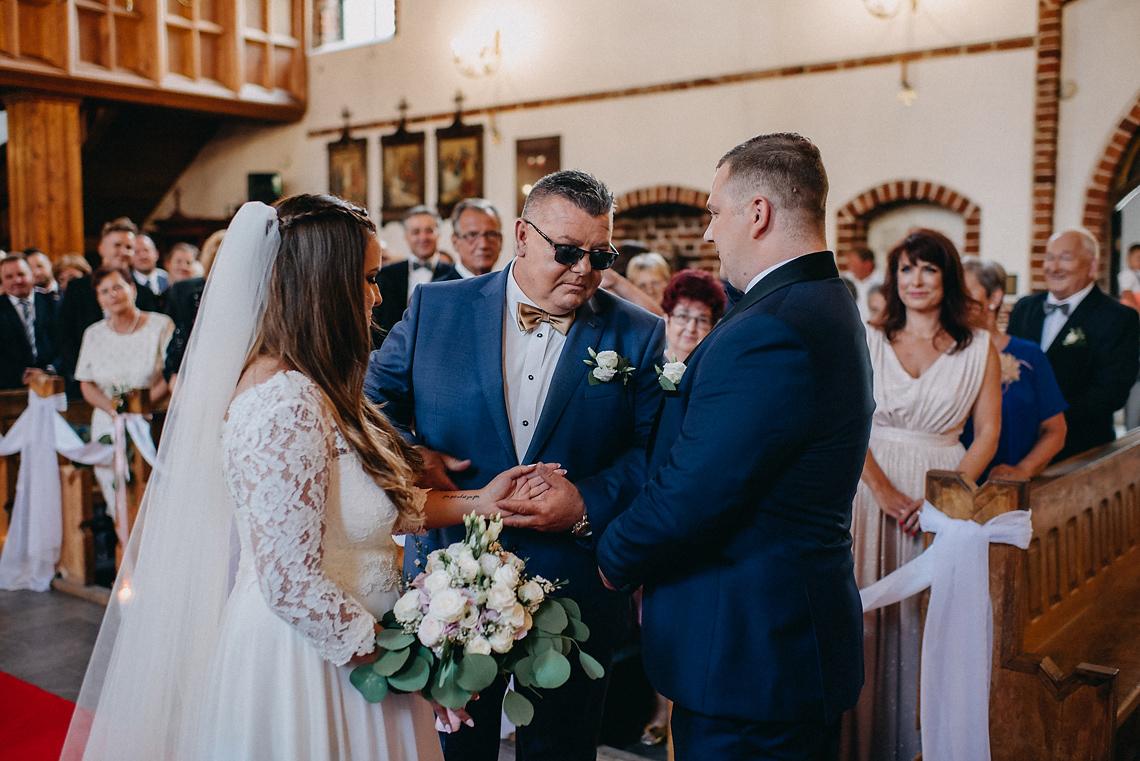 prowadzi do ślubu Pruszków